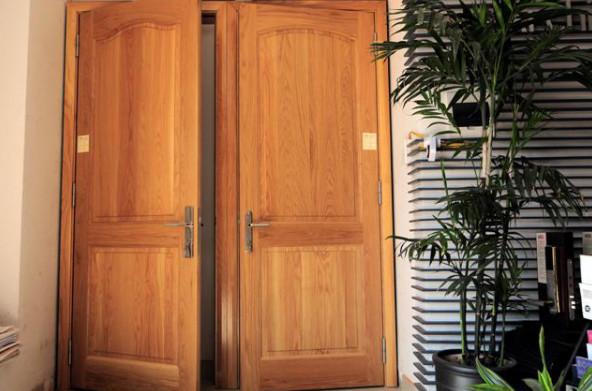 Cửa 2 cánh cho cửa chính