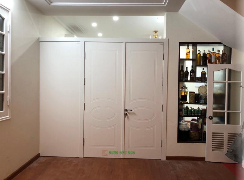 cửa 3 cánh màu trắng