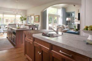 Tủ bếp gia đình phong cách cổ điển